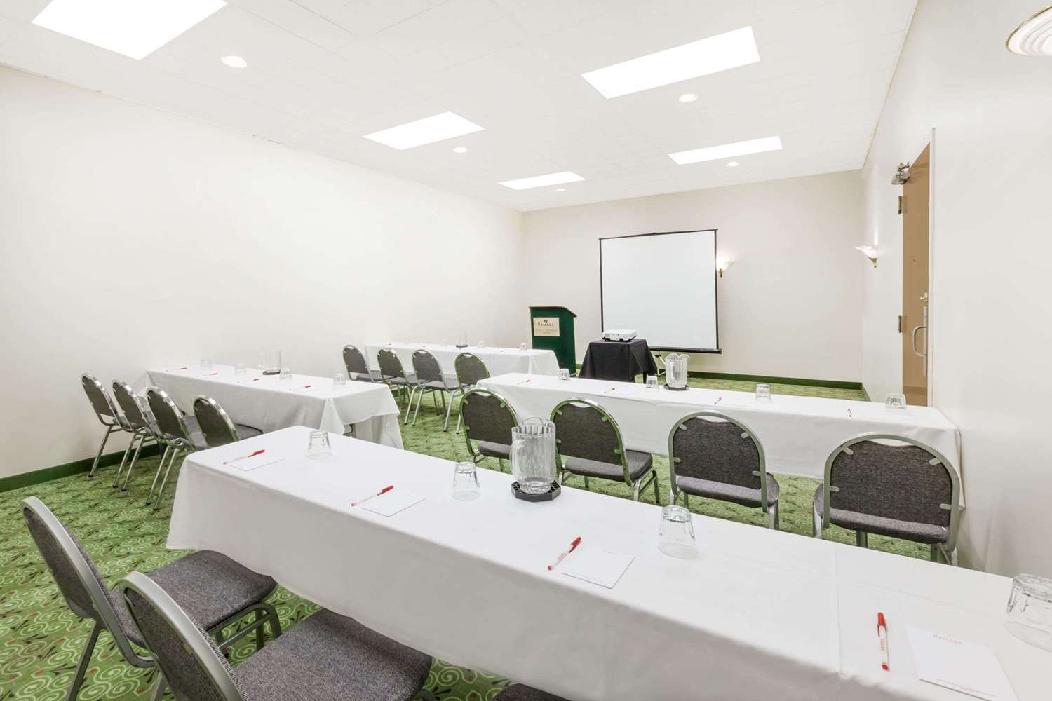 Meeting Facilities - Ramada Hotel & Conference Center Lansing