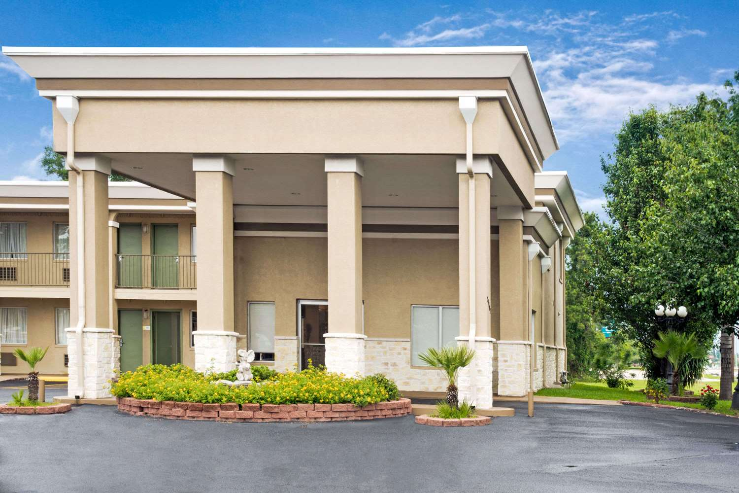 Exterior view - Days Inn Shenandoah