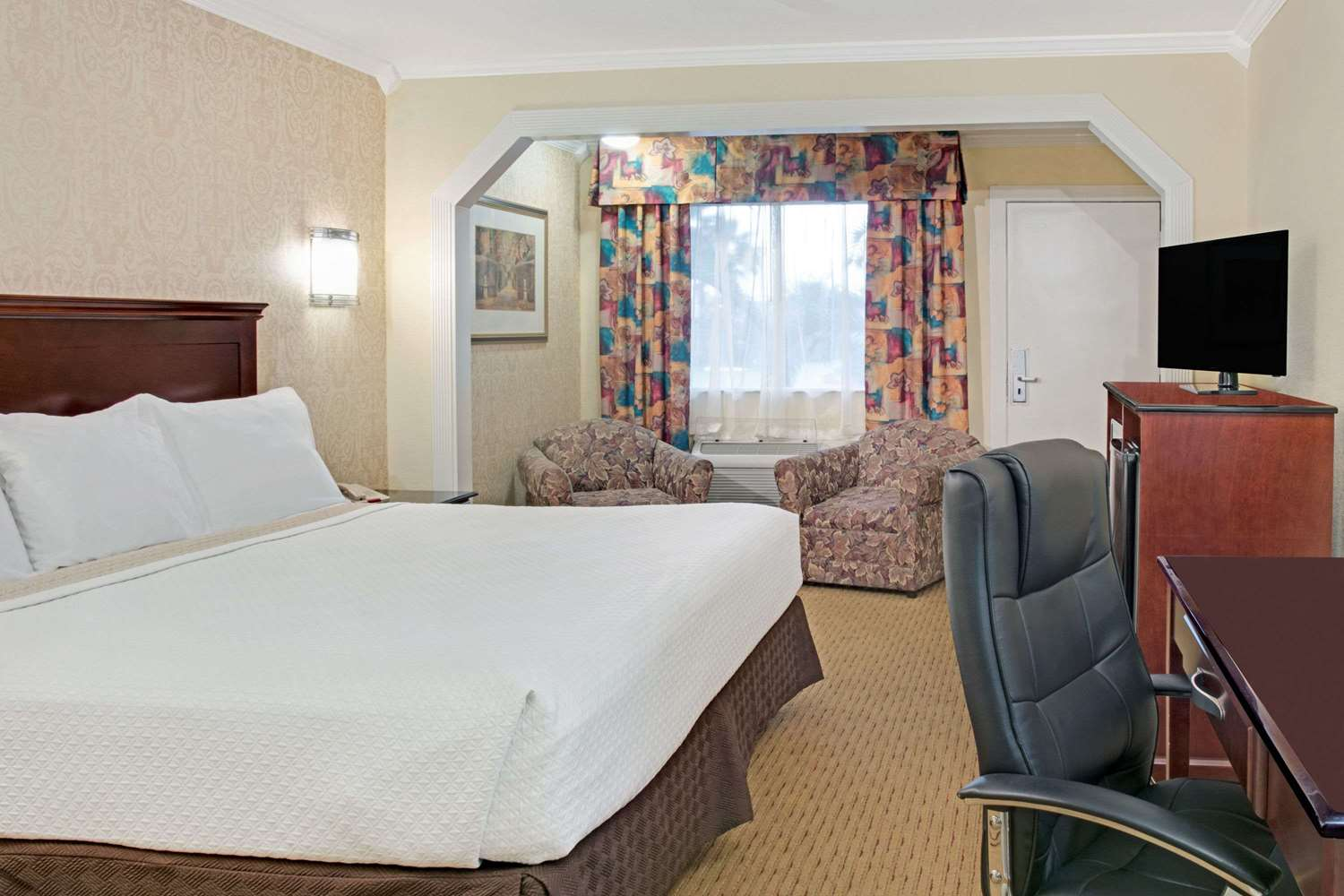 Suite - Days Inn Shenandoah