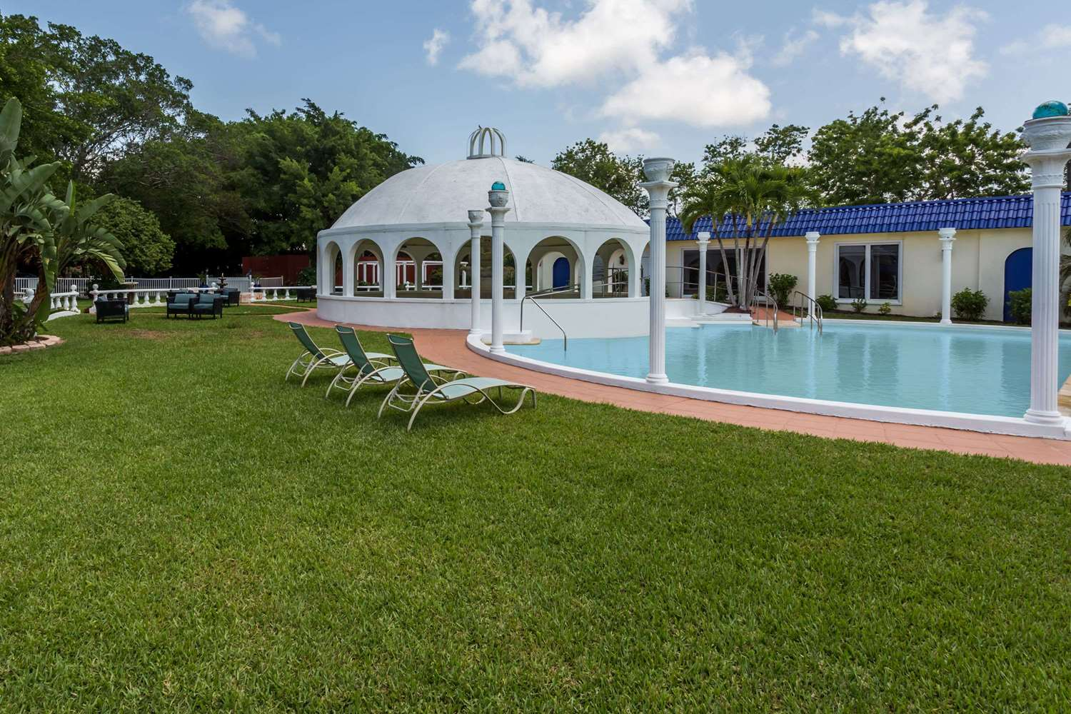 Days Inn Fort Myers Springs Resort, FL - See Discounts