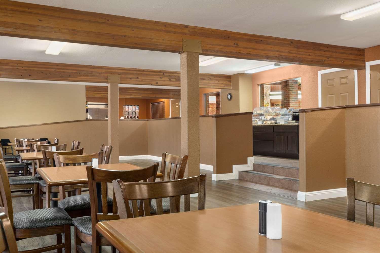 Restaurant - Baymont Inn & Suites Cortez