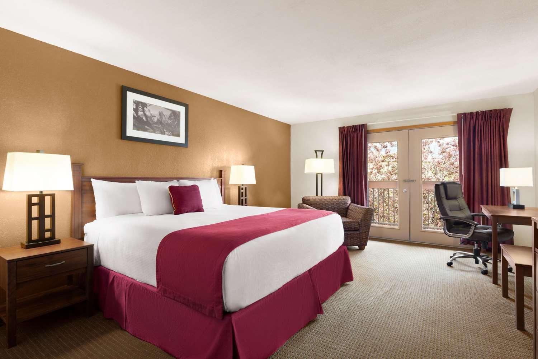 Suite - Baymont Inn & Suites Cortez