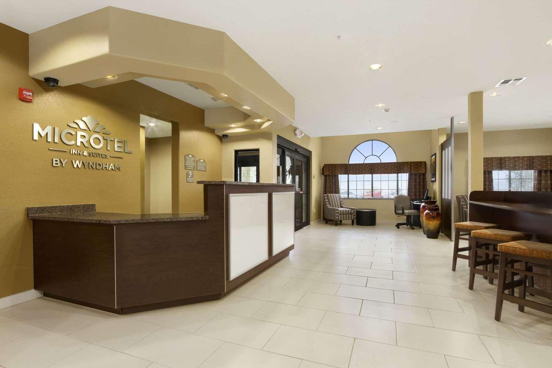 Lobby - Microtel Inn & Suites by Wyndham Round Rock