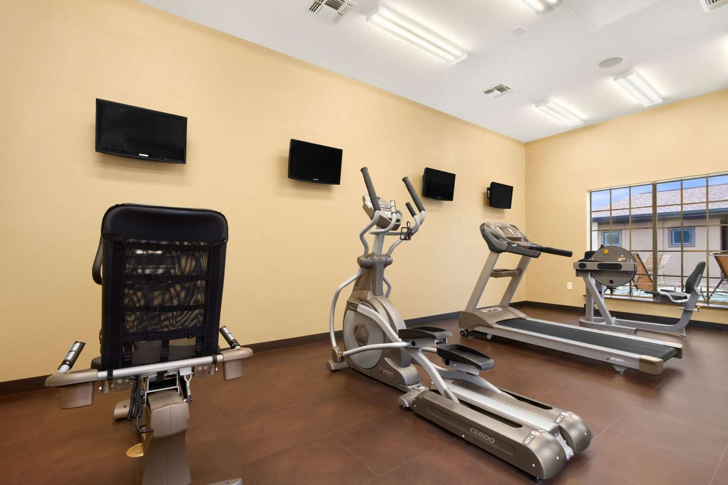Fitness/ Exercise Room - Microtel Inn & Suites by Wyndham Round Rock