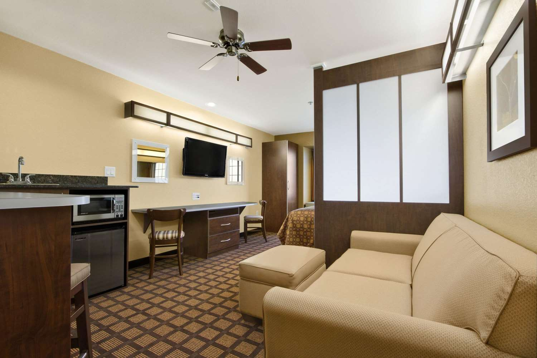 Suite - Microtel Inn & Suites by Wyndham Round Rock