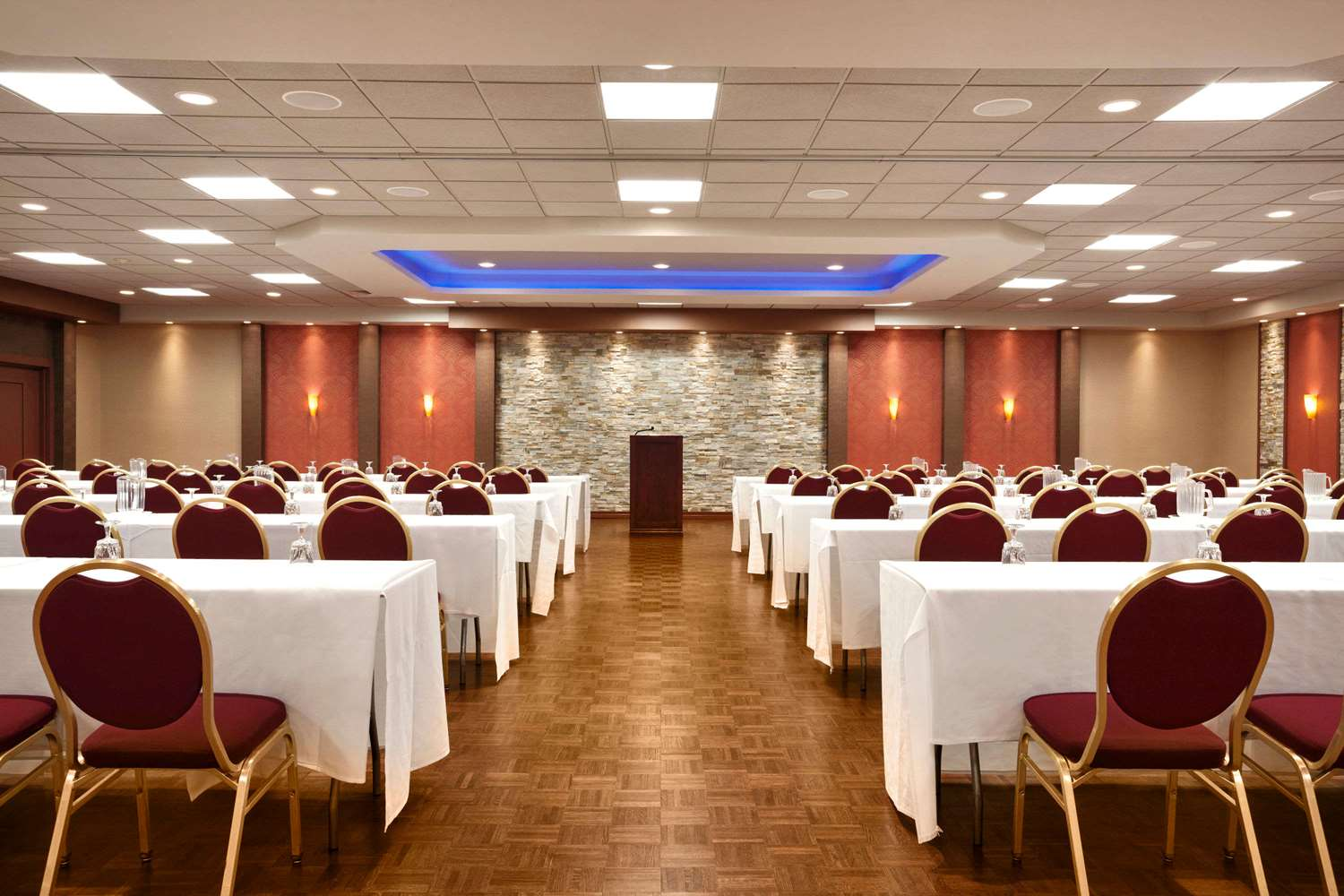 Meeting Facilities - Ramada Plaza Hotel Airport Newark