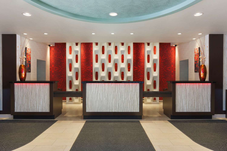 Lobby - Ramada Plaza Hotel Airport Newark