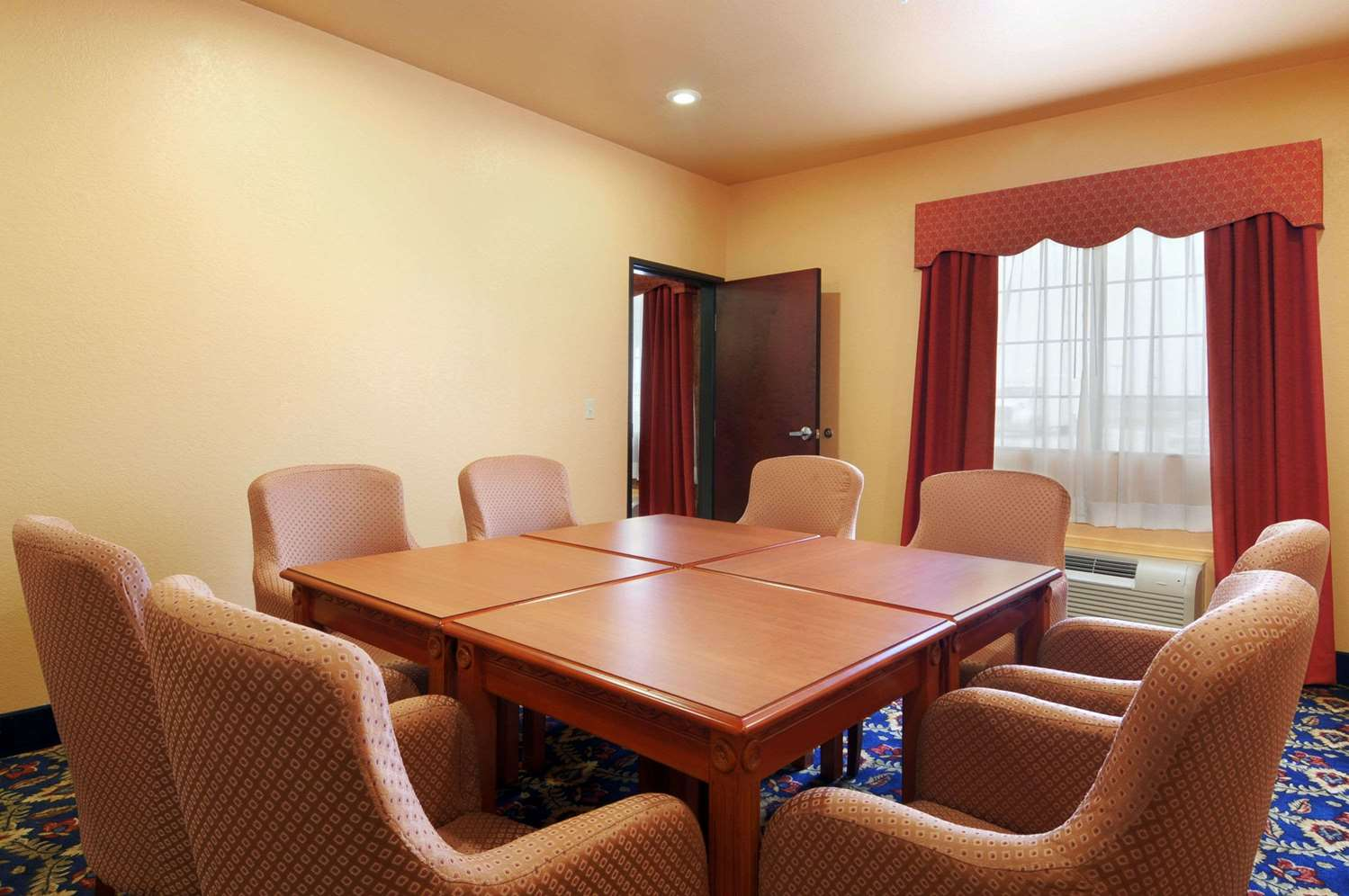 Meeting Facilities - Days Inn & Suites McAlester