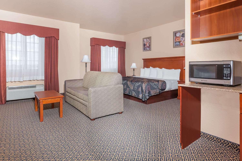 Suite - Days Inn & Suites McAlester