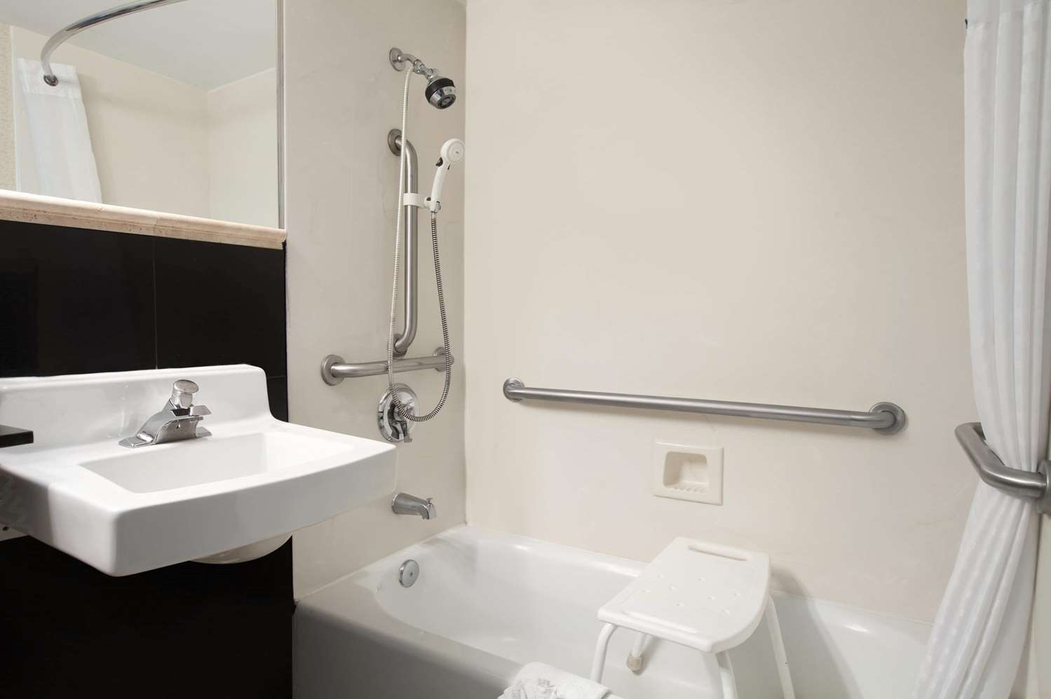 days inn concord ca see discounts. Black Bedroom Furniture Sets. Home Design Ideas