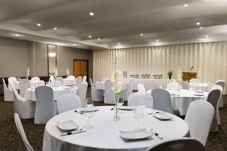 Meeting Facilities - Travelodge Lethbridge