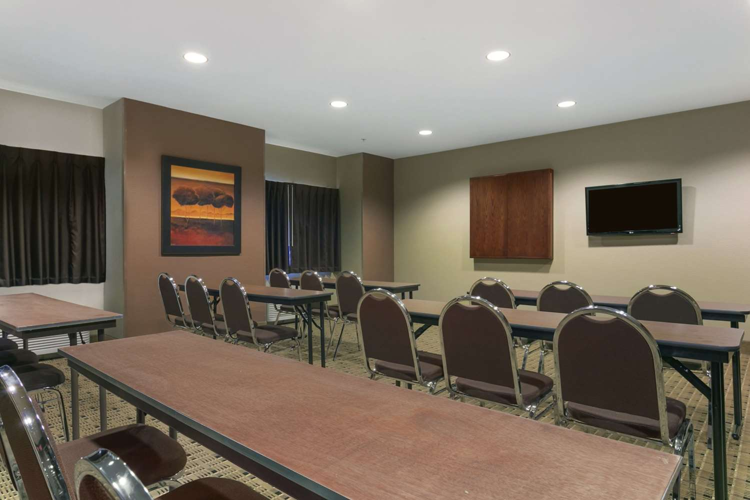 Meeting Facilities - Microtel Inn & Suites by Wyndham Minot