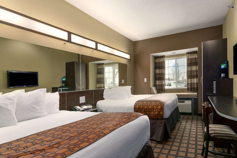 Room - Microtel Inn & Suites by Wyndham Minot
