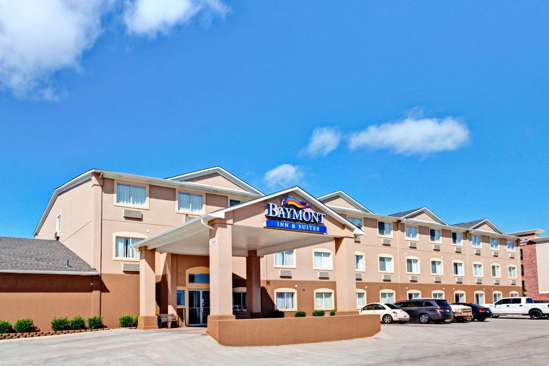 Exterior view - Baymont Inn & Suites And Suites El Reno