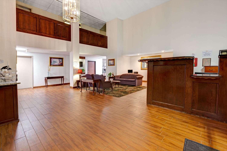 Lobby - Baymont Inn & Suites And Suites El Reno