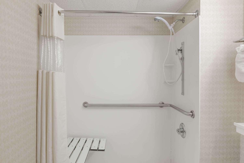Room - Travelodge Inn & Suites Albany