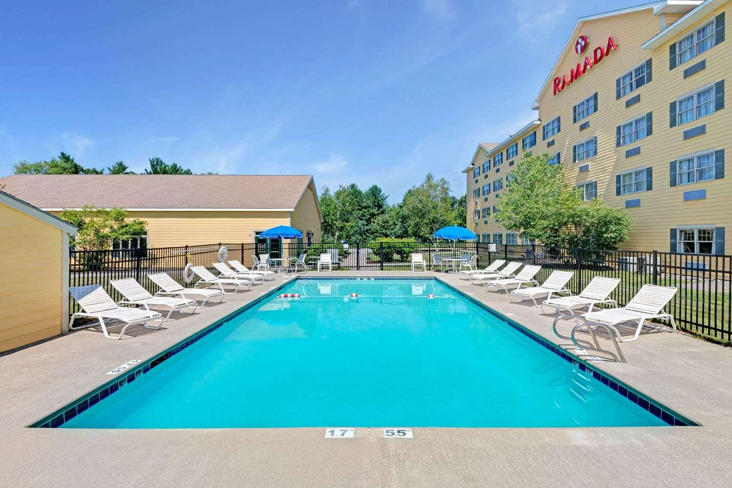 Pool - Ramada Hotel Old Orchard Beach Area Saco