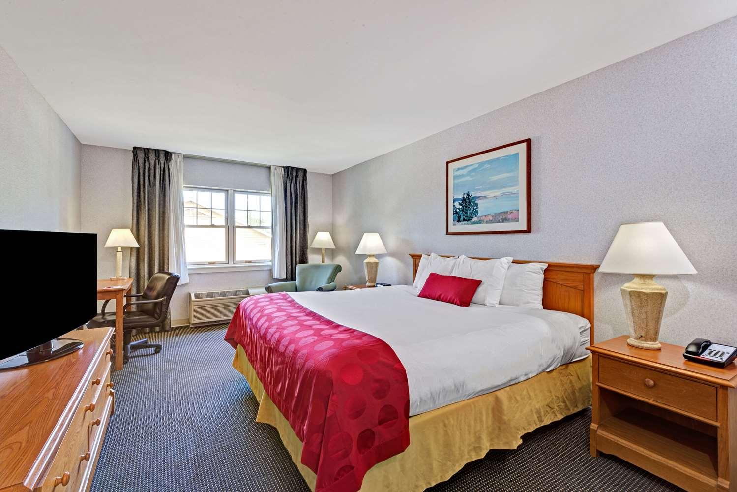 Room - Ramada Hotel Old Orchard Beach Area Saco