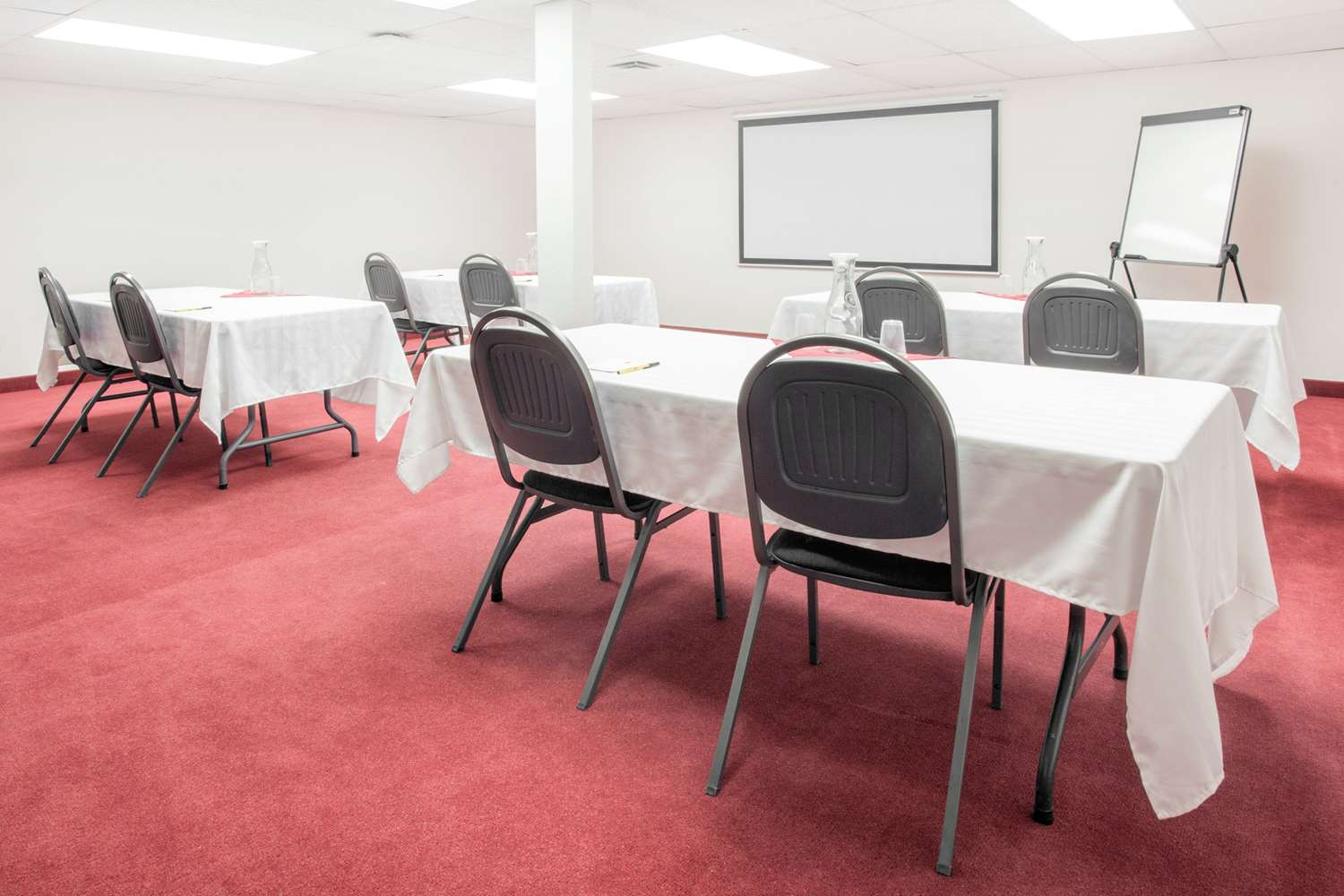 Meeting Facilities - Super 8 Hotel Lethbridge