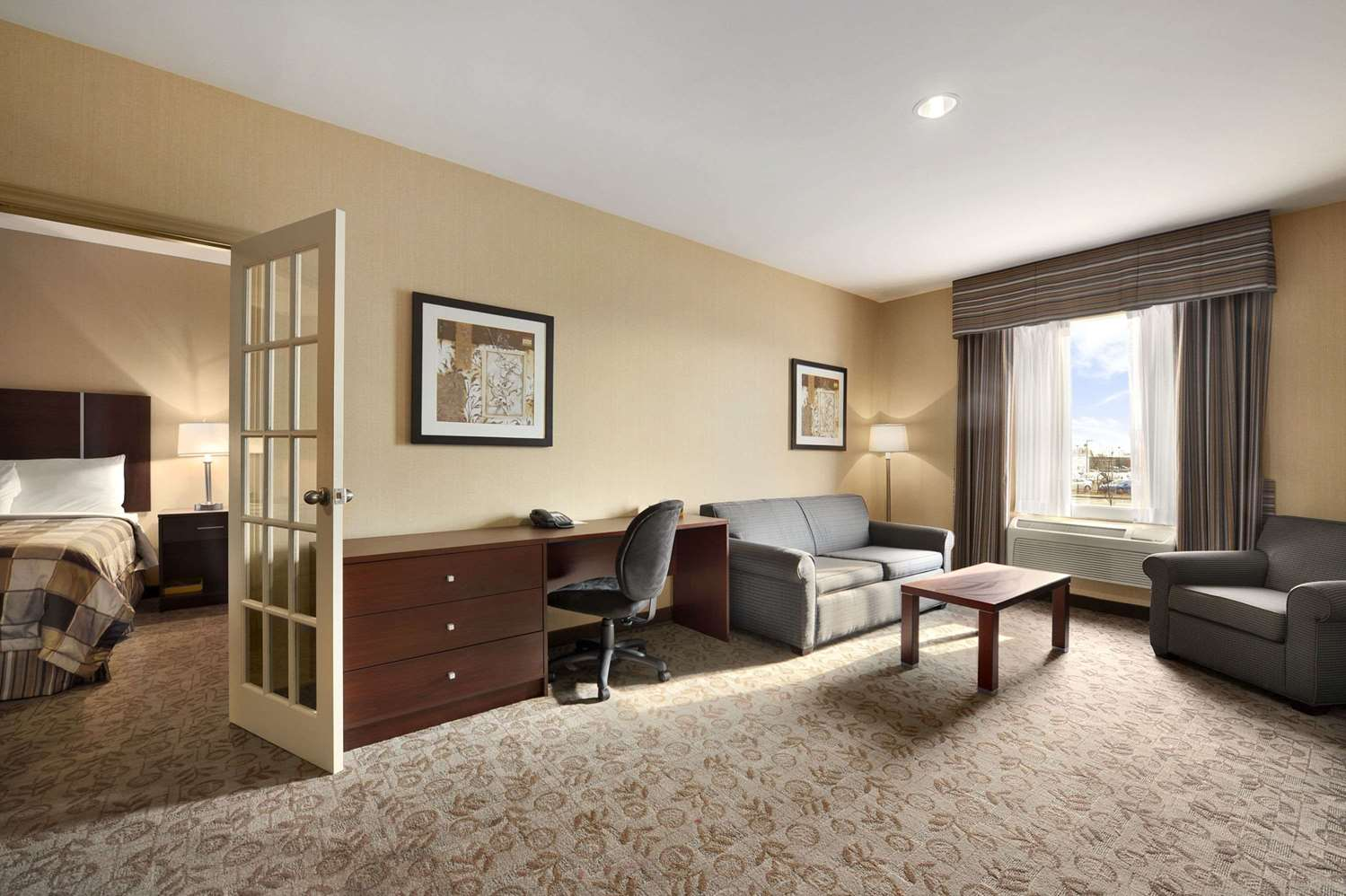 Room - Days Inn Brampton