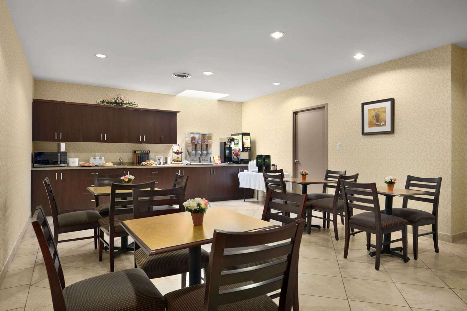 Restaurant - Days Inn Brampton