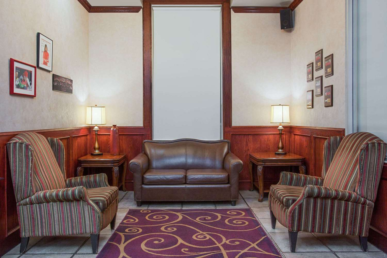 Lobby - Ramada Inn & Suites Red Deer