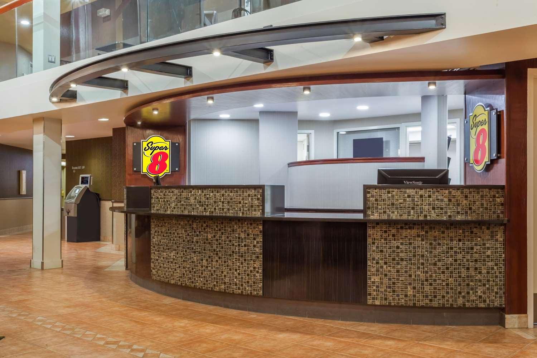 Lobby - Super 8 Hotel Sherwood Park