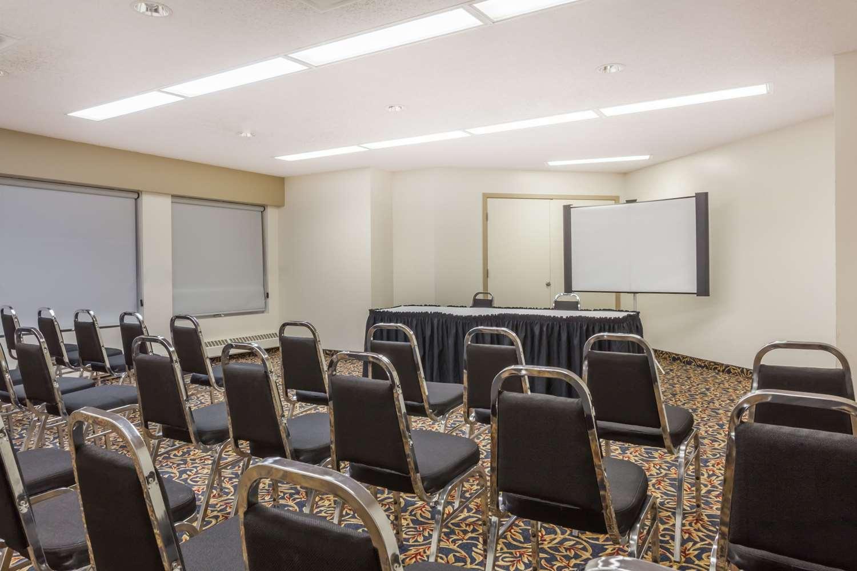 Meeting Facilities - Super 8 Hotel Sherwood Park
