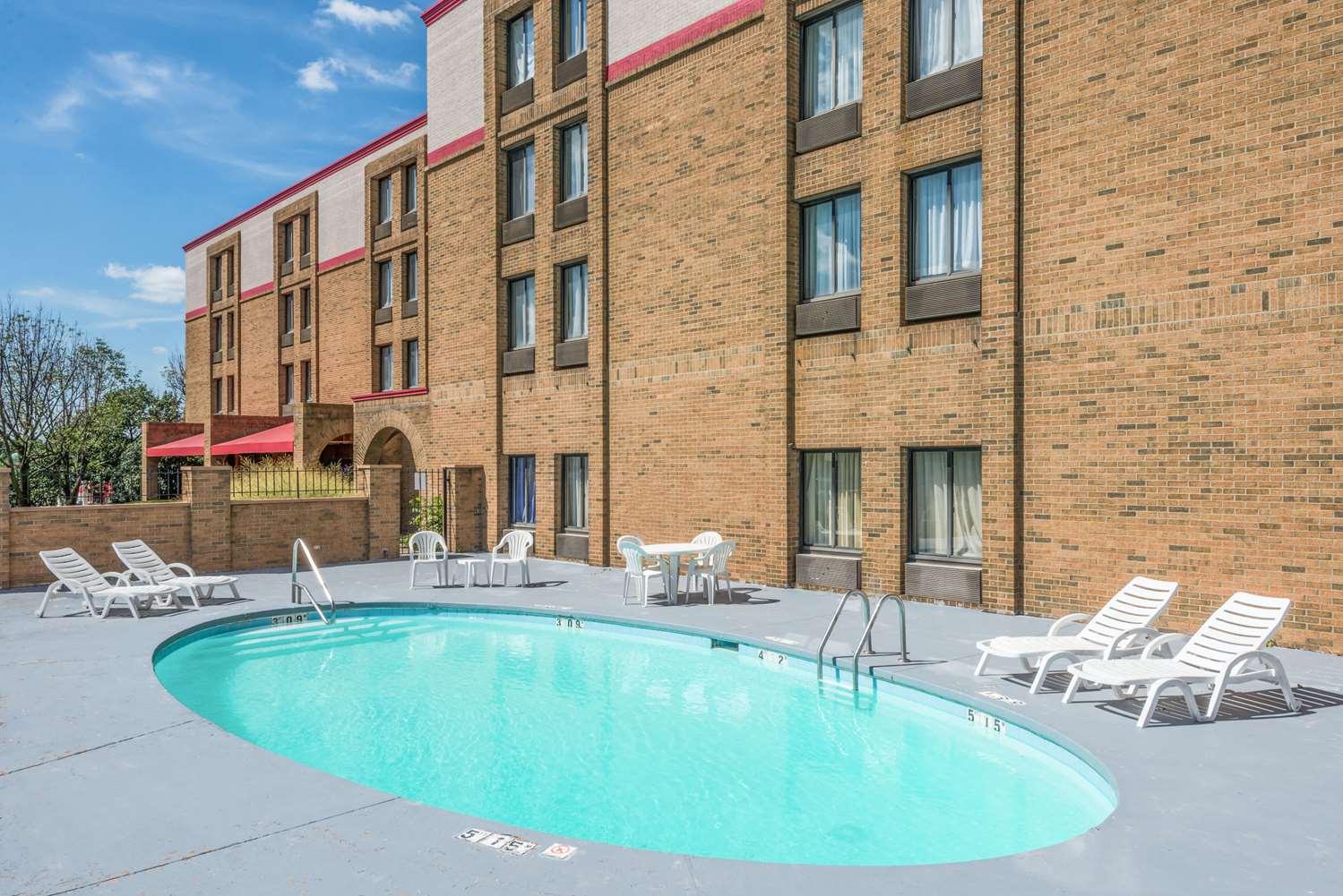 Pool - Ramada Hotel Xenia