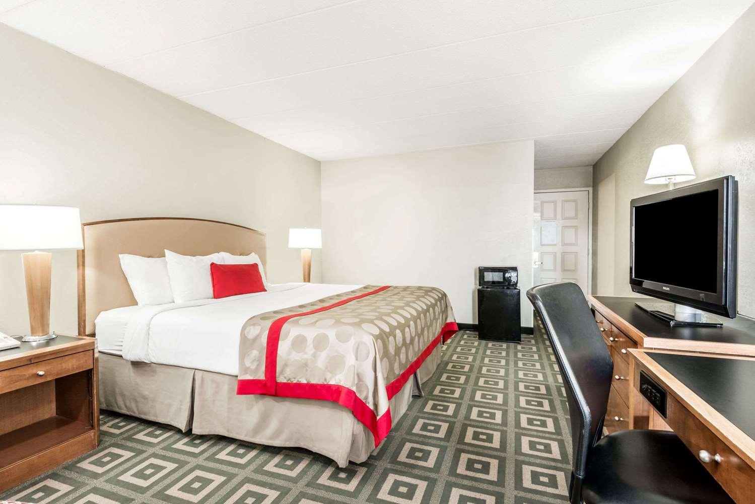 Room - Ramada Hotel Xenia