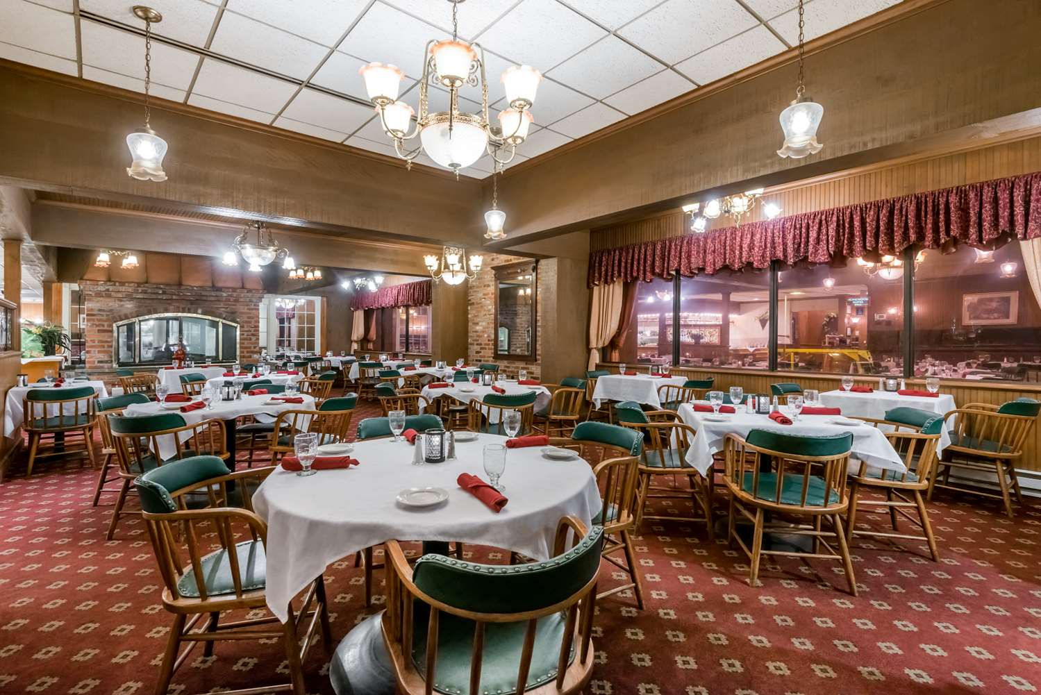 Restaurant - Ramada Plaza Hotel Hagerstown
