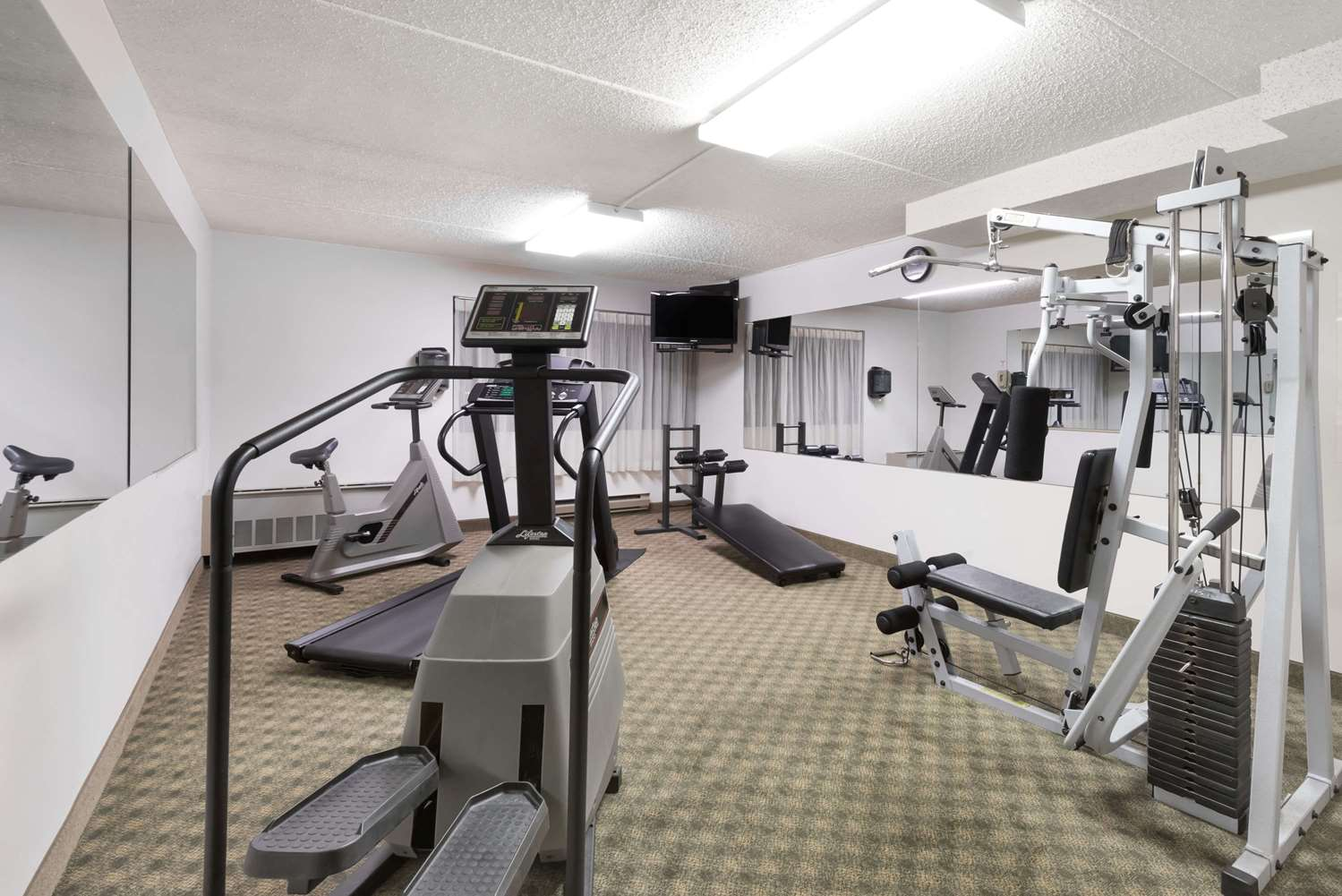 Fitness/ Exercise Room - Ramada Plaza Hotel Hagerstown