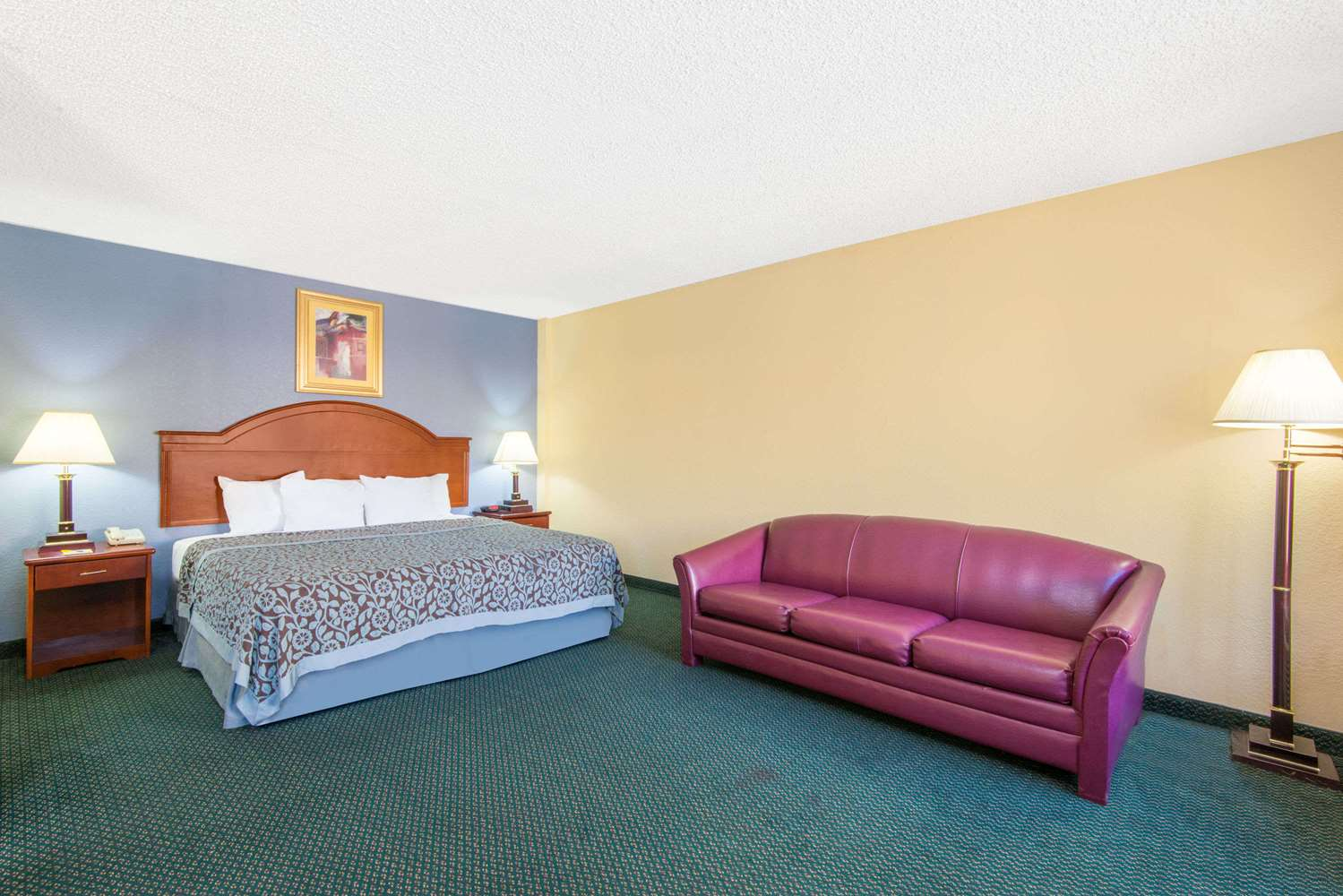 Suite - Days Inn & Suites East Wichita