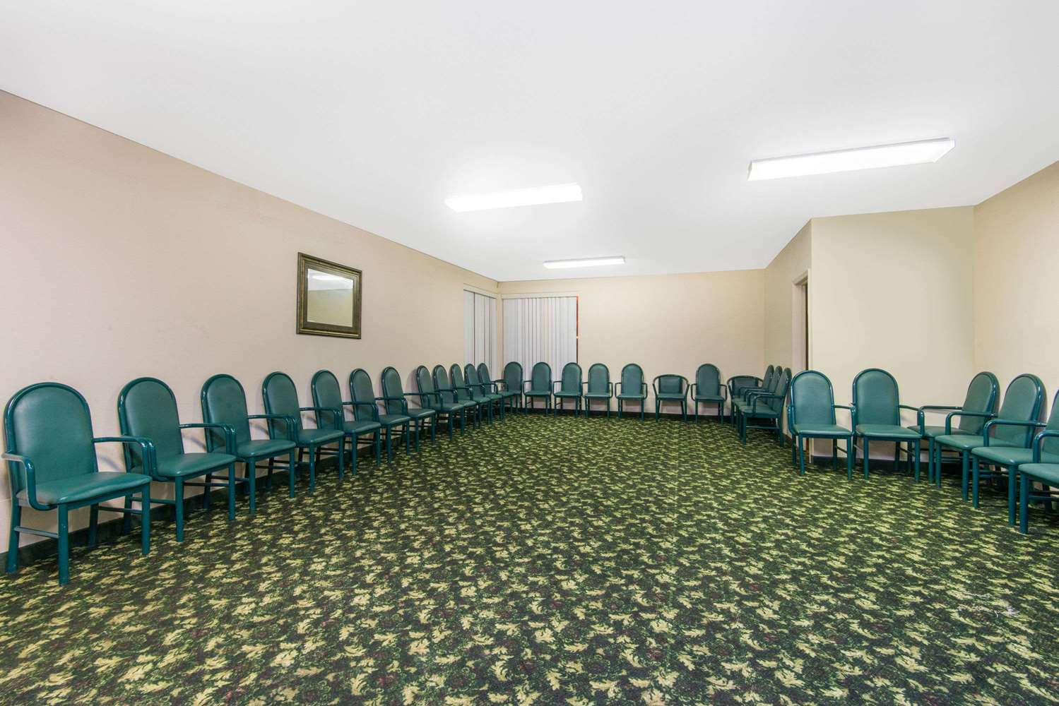 Meeting Facilities - Days Inn & Suites East Wichita