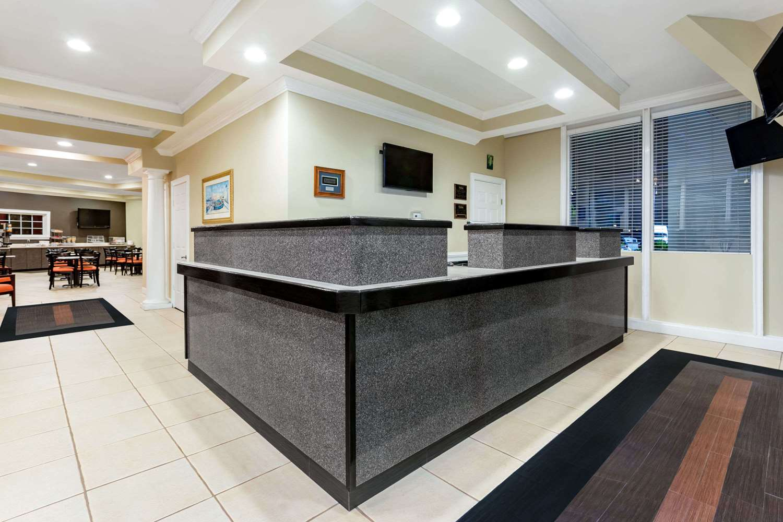 Lobby - Travelodge Lakeland