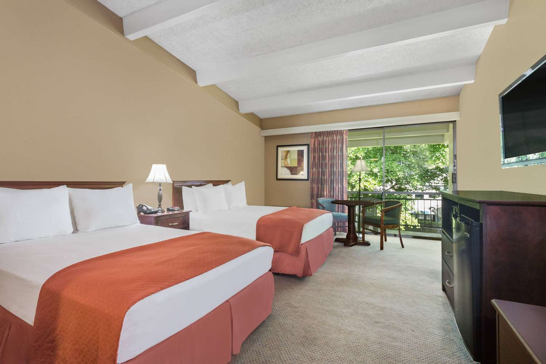 Room - Travelodge Lakeland
