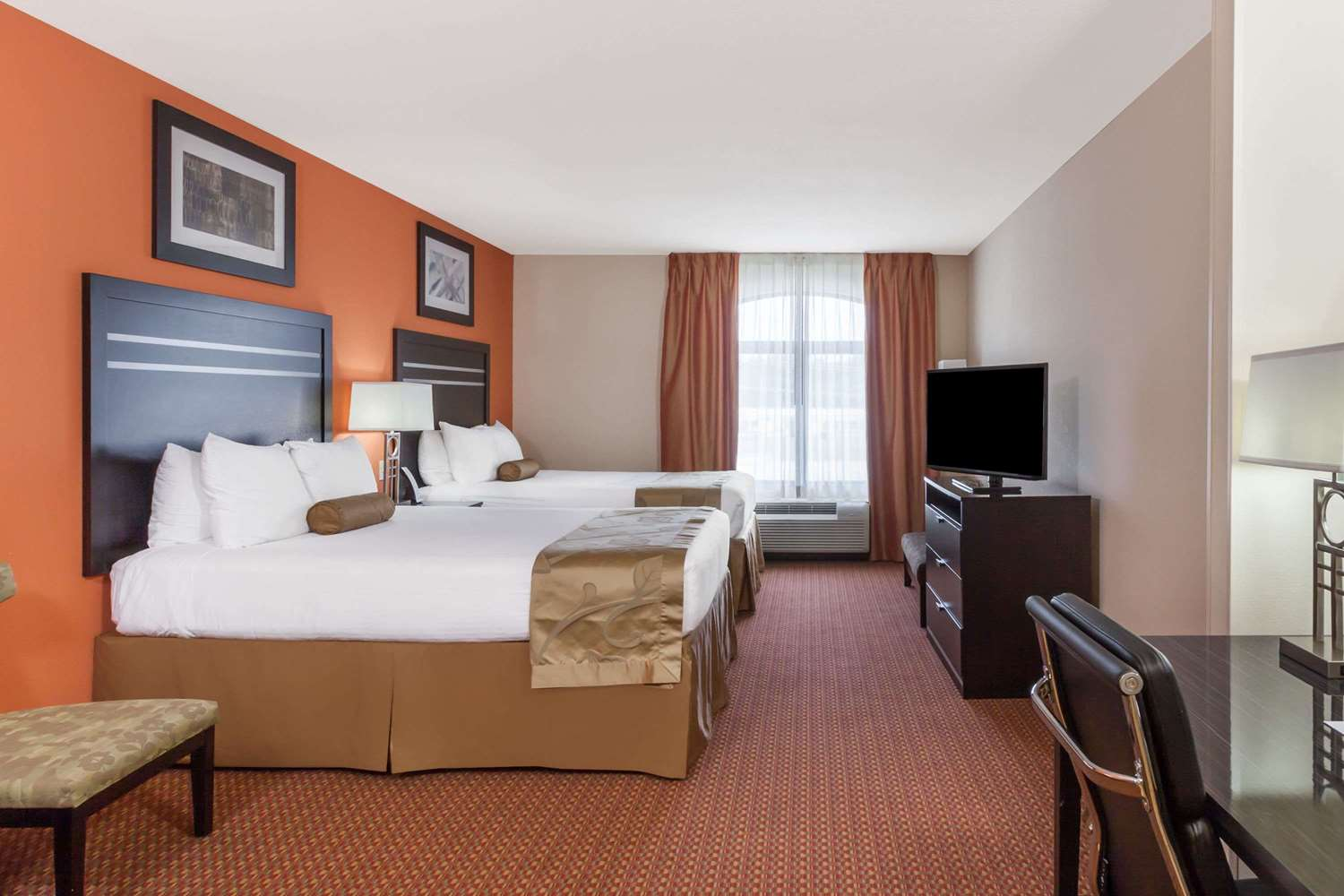 Room - Wingate by Wyndham Hotel Tulsa