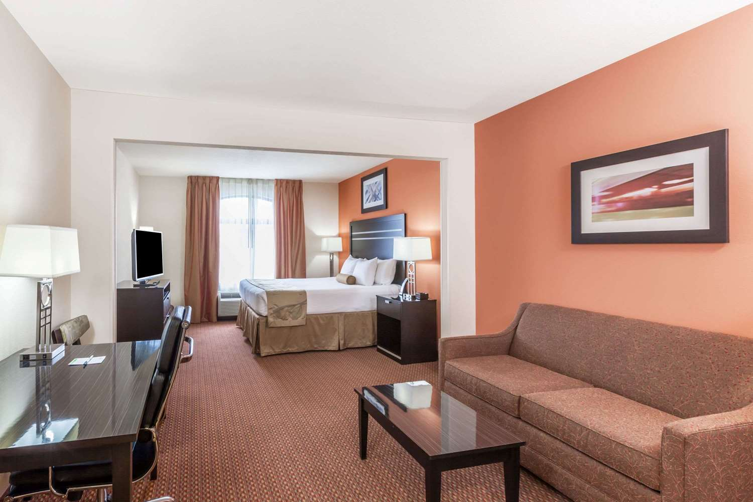Suite - Wingate by Wyndham Hotel Tulsa
