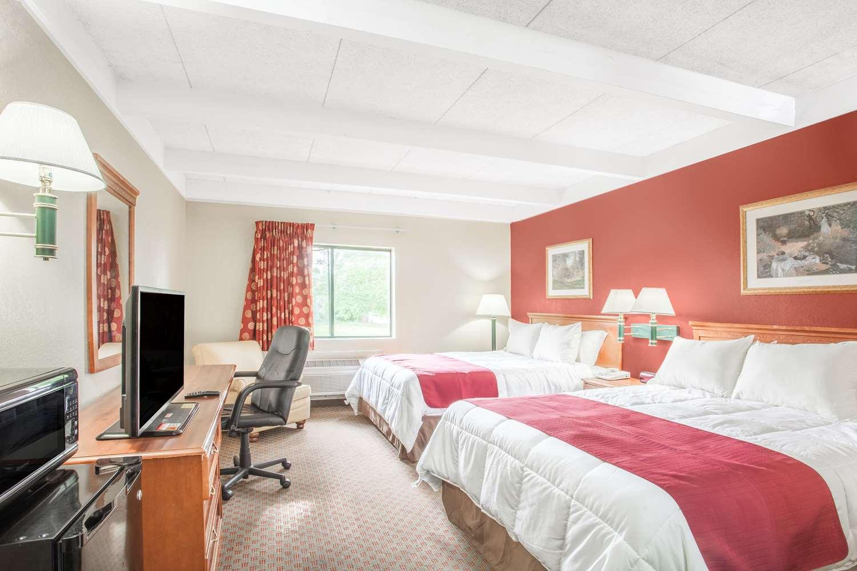 Room - Days Inn Columbia