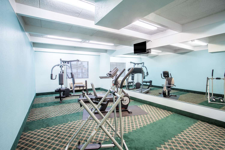 Fitness/ Exercise Room - Days Inn Columbia