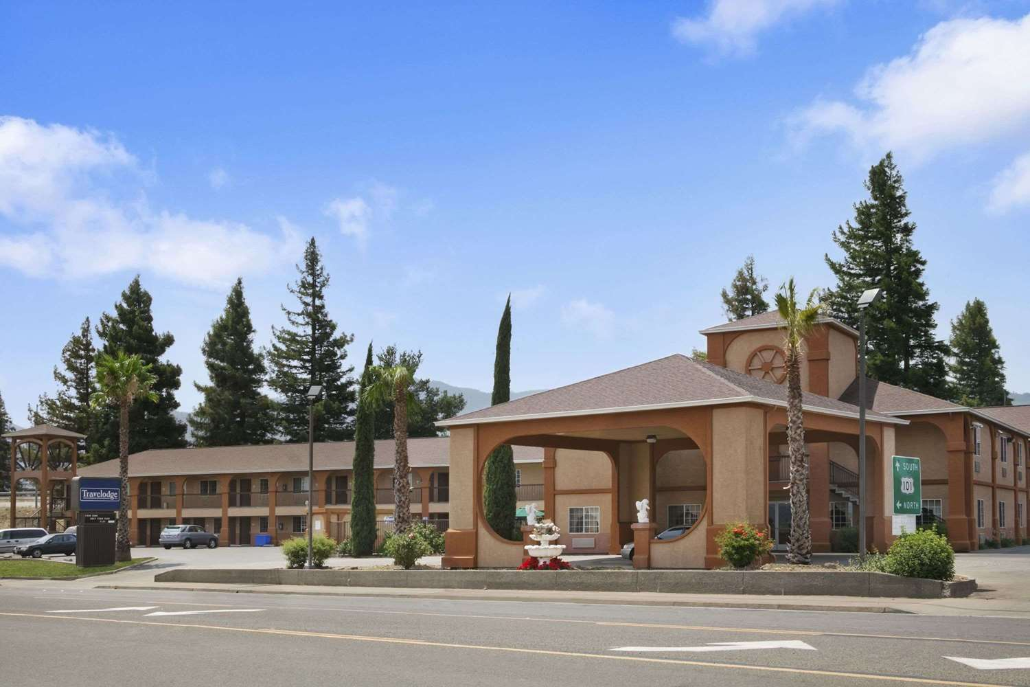 Exterior view - Travelodge Ukiah