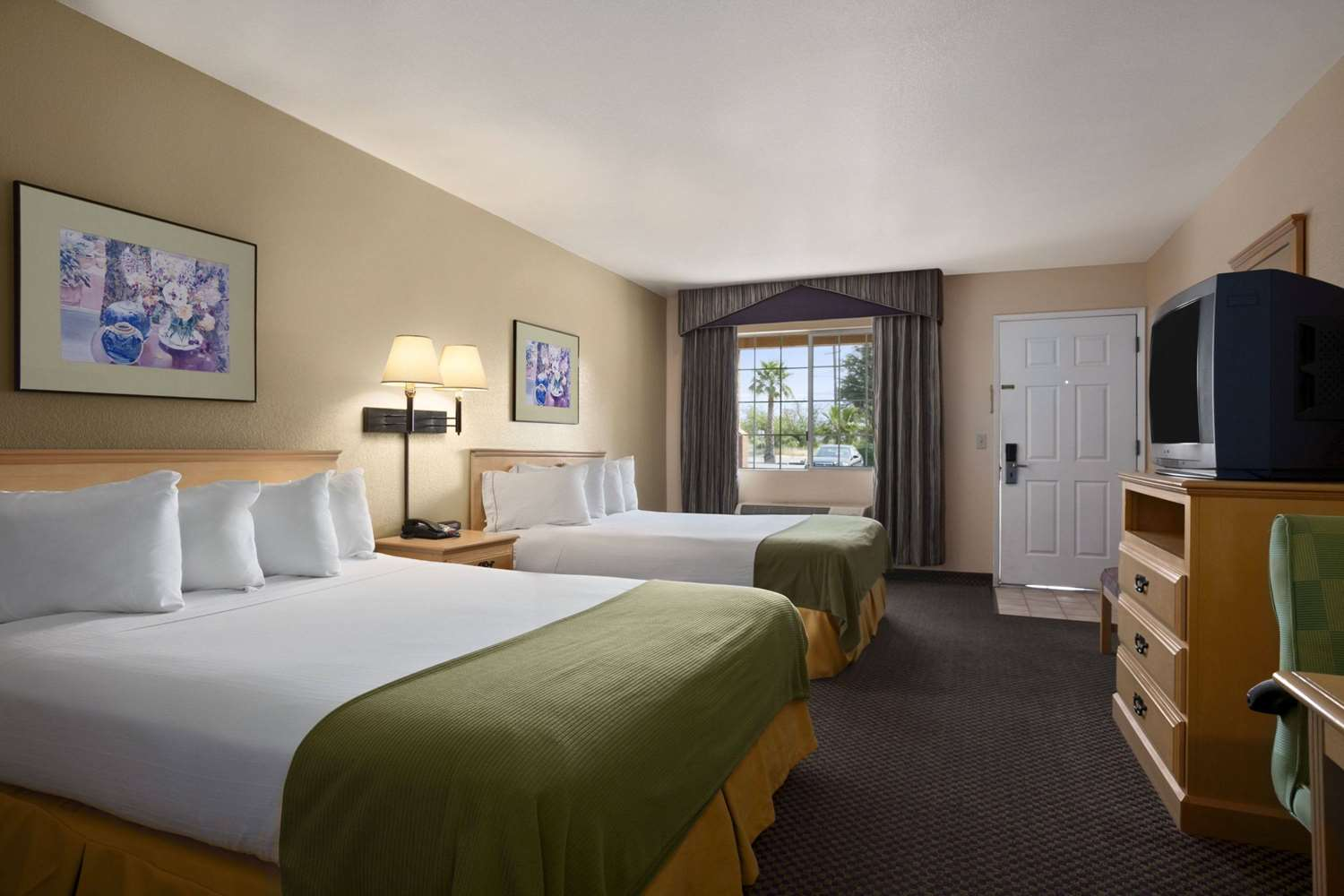 Room - Travelodge Ukiah