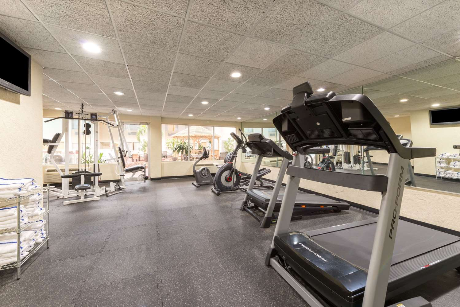Fitness/ Exercise Room - Ramada Plaza Hotel Louisville