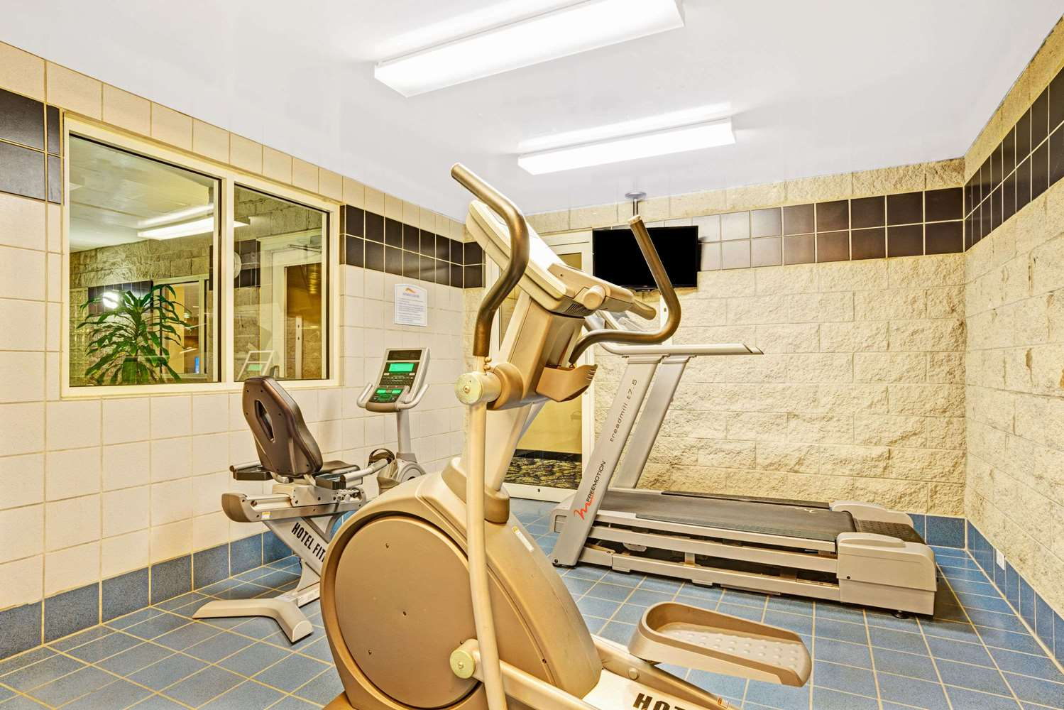Fitness/ Exercise Room - Baymont Inn & Suites Wahpeton