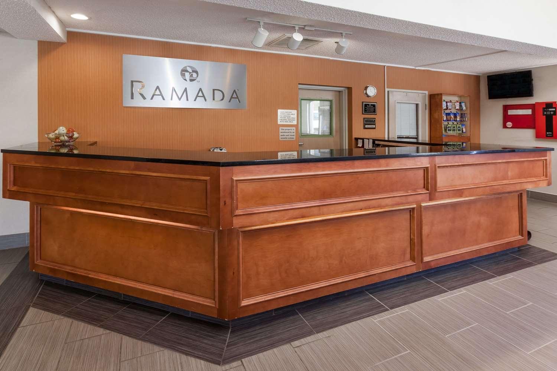 Lobby - Ramada Inn Hall of Fame Canton
