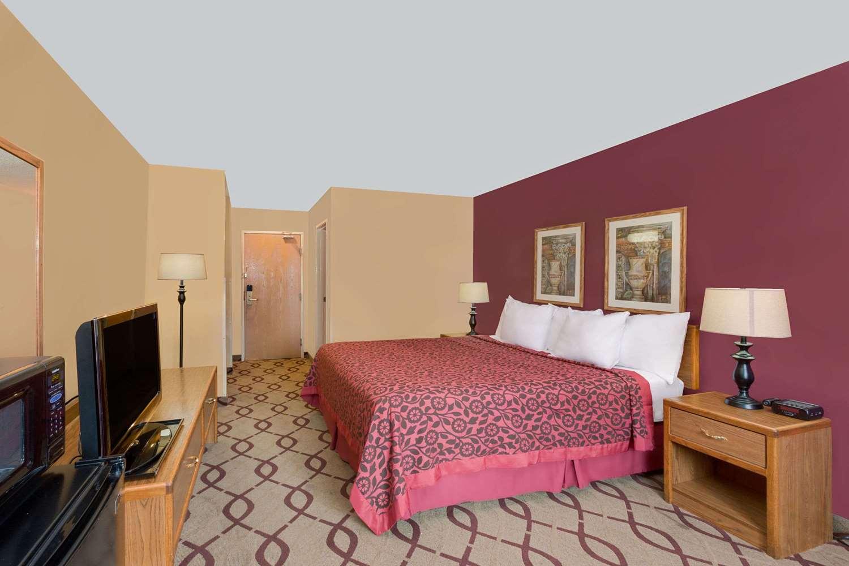 Room - Days Inn North Sioux City
