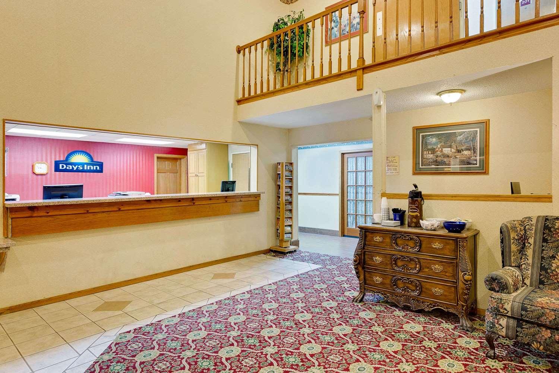 Lobby - Days Inn North Sioux City