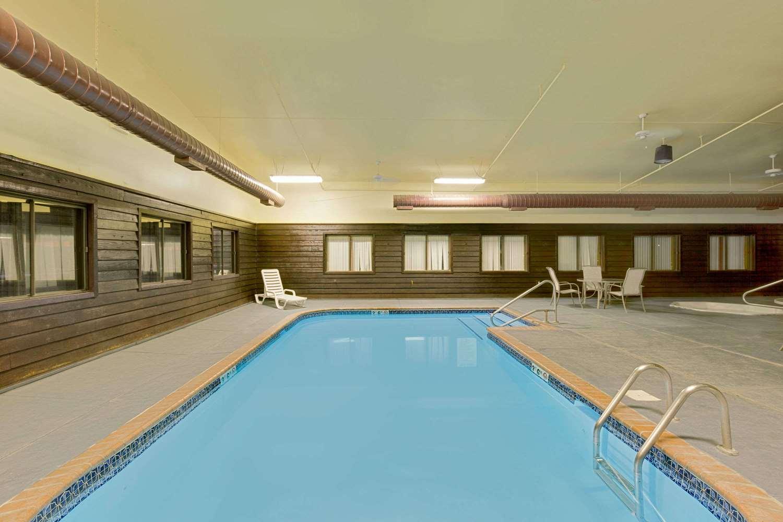 Pool - Days Inn North Sioux City