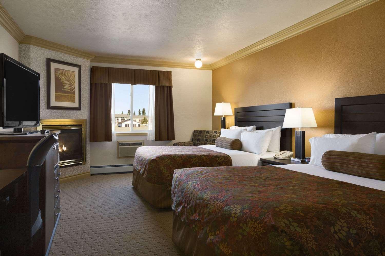 Room - Days Inn High Level