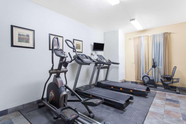 Fitness/ Exercise Room - Travelodge Yuba City